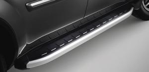 Боковые металлические дуги на Range Rover